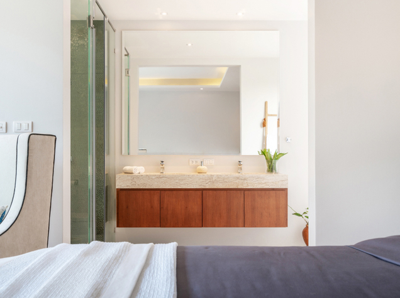 Hotel_room_Bath
